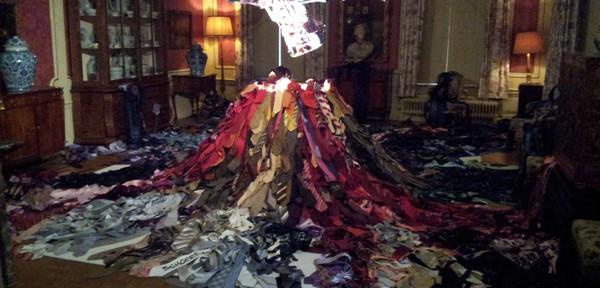 A volcano of ties