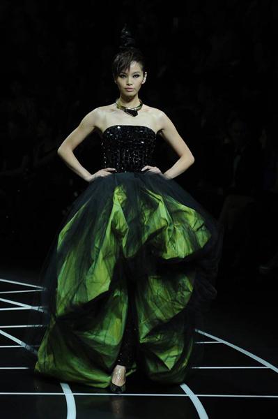 Giorgio Armani - Bejing Fashion Show 2012